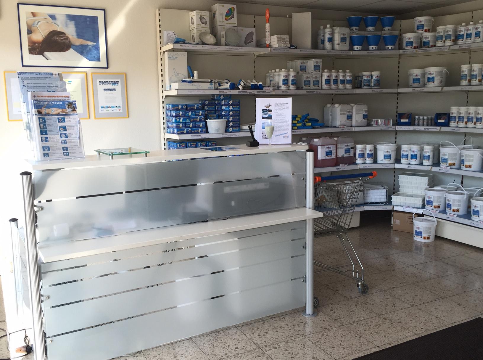 Pflegemittel- und Kassenbereich