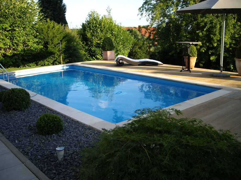 pool bauen kosten kosten pool im garten kunstrasen garten garten pool bauen kunstrasen garten. Black Bedroom Furniture Sets. Home Design Ideas
